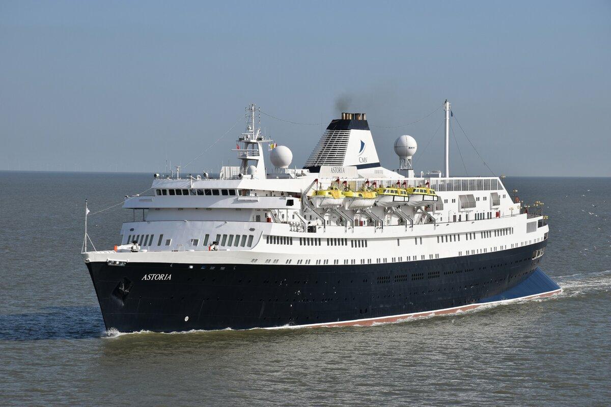 «Астория», ex-«Стокгольм»: старейший круизный лайнер с невероятной судьбой