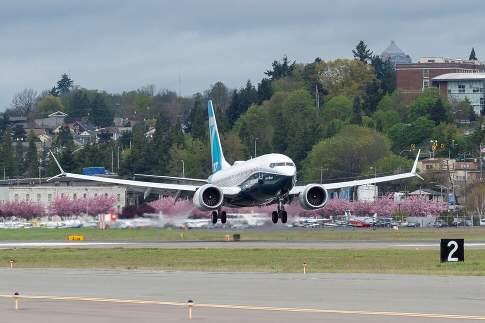 Boeing возобновил производство модели 737MAX