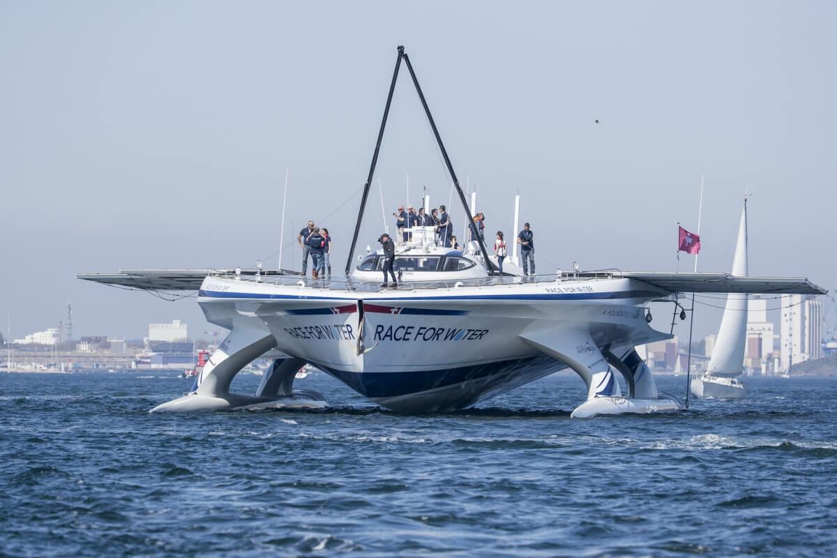 Корабль на солнечной энергии: катамаран Race for Water