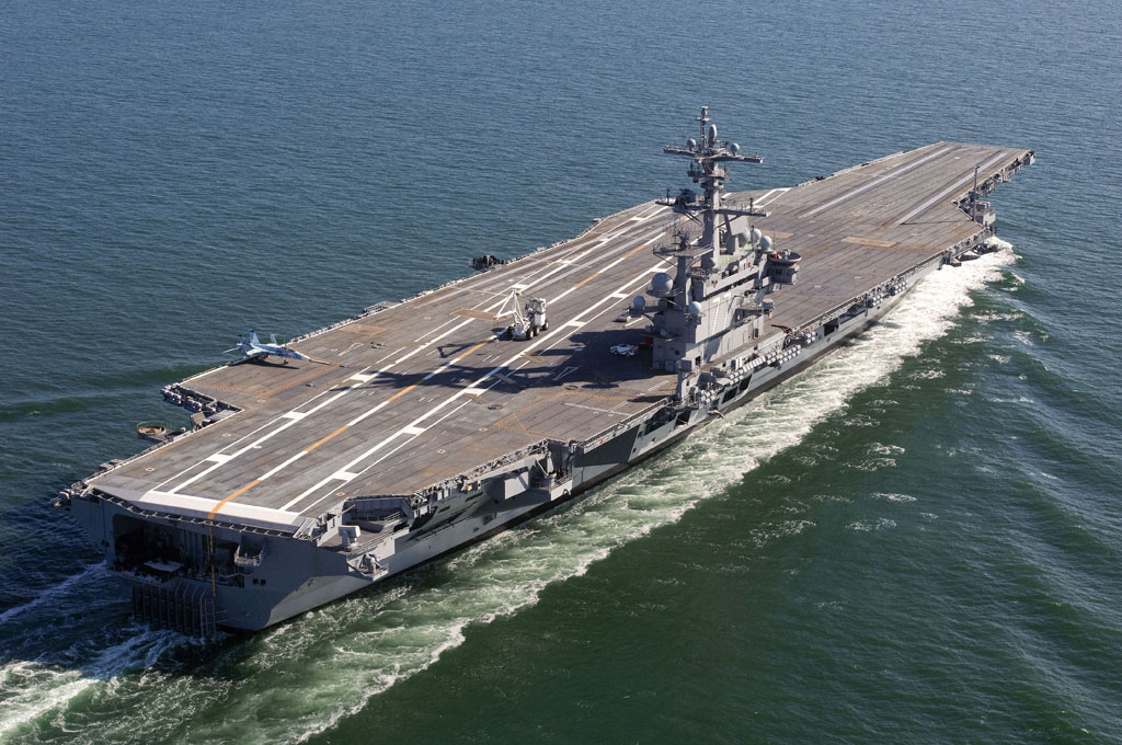 """атомный многоцелевой авианосец """"Джордж Буш"""" ВМФ США"""