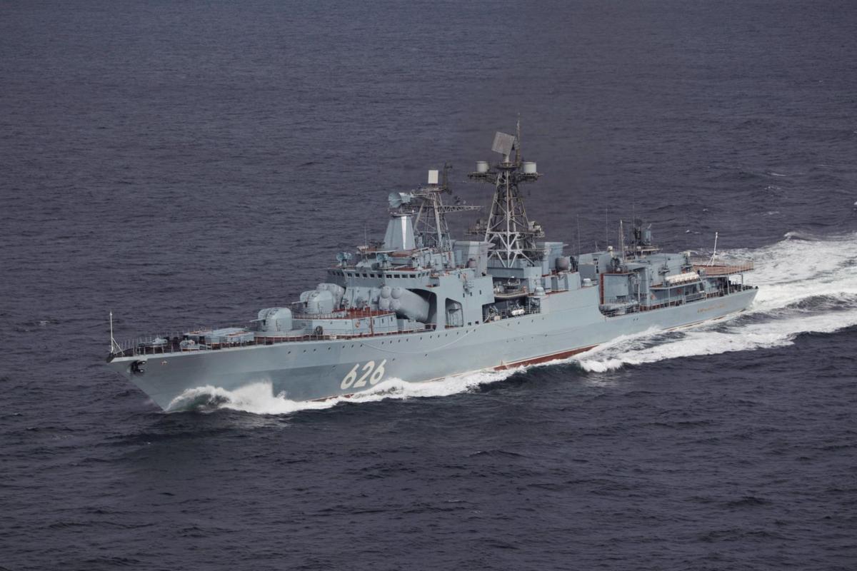 БПК «Вице-адмирал Кулаков» завершил деловой заход в Пирей