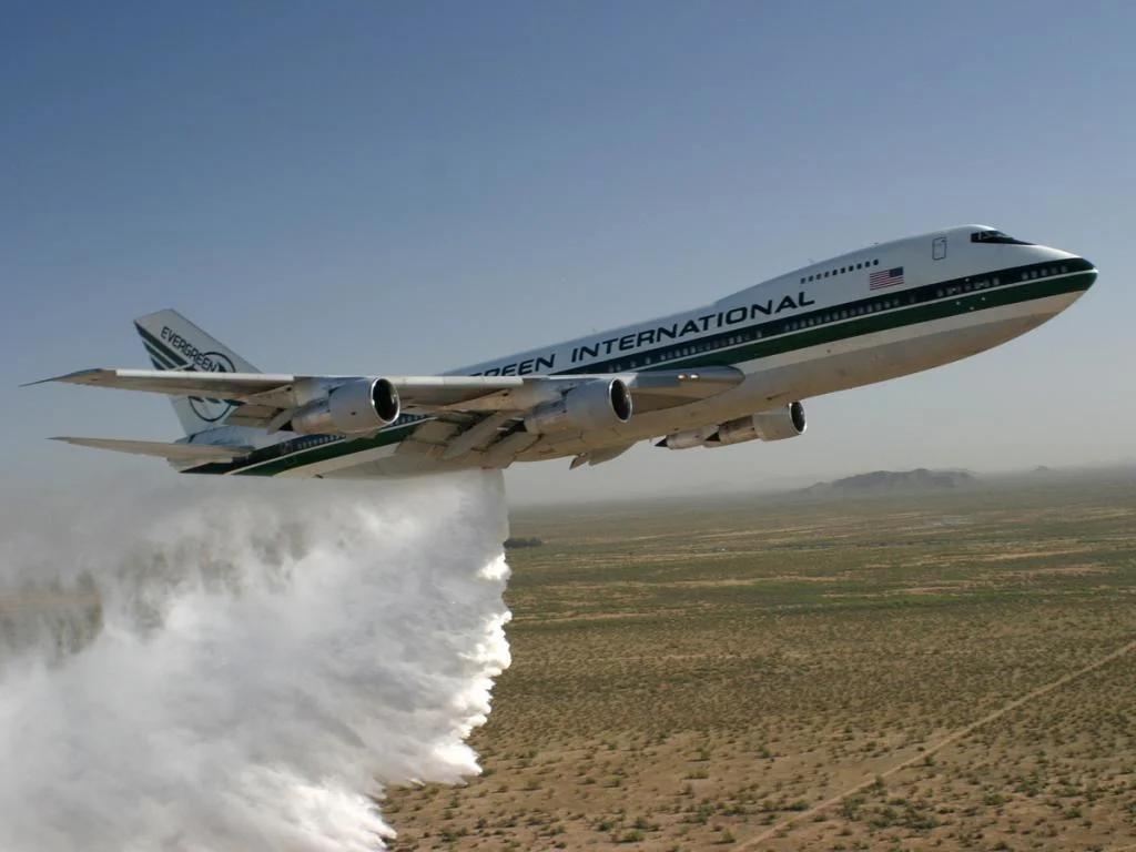 Зачем самолет вырабатывает топливо