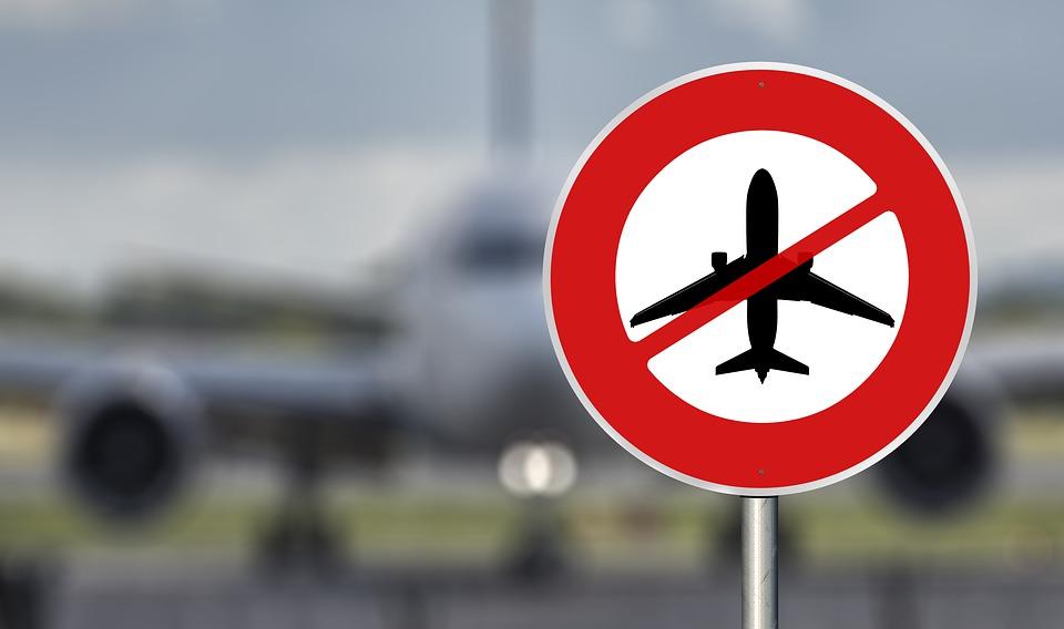 Россия прекращает авиасообщение со всеми странами