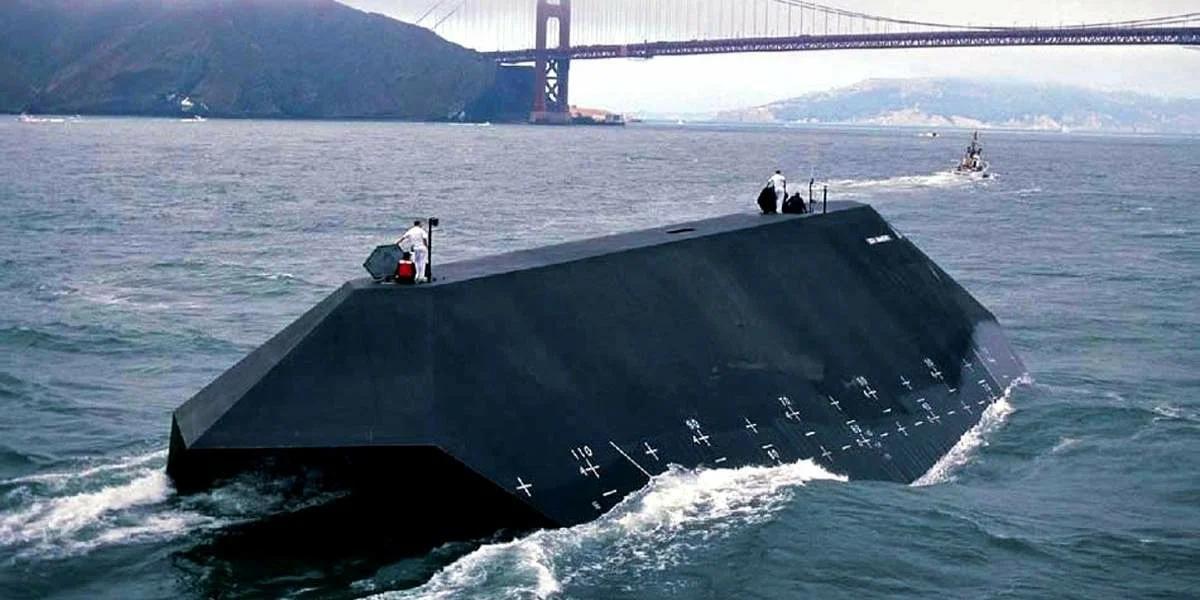 «Морская тень» — экспериментальный катер, построенный компанией Lockheed для ВМС США