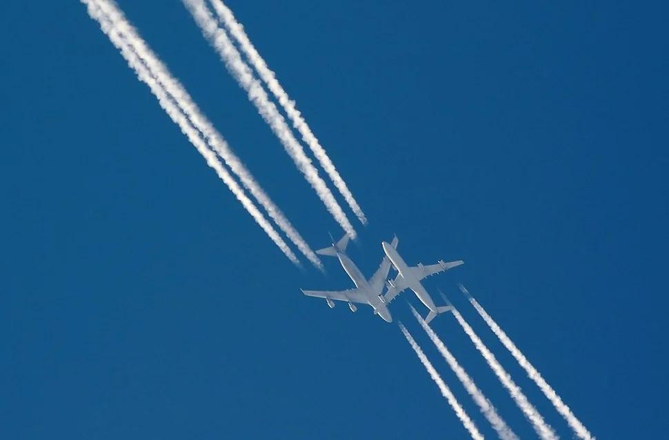 Могут ли самолеты столкнуться в небе?