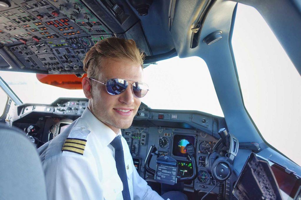 Профессия пилота становится непрестижной?