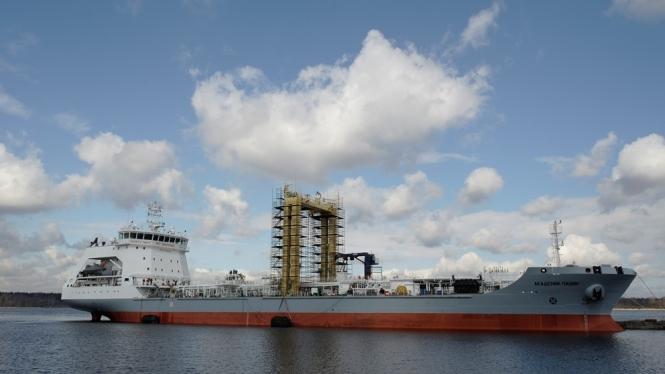танкер проекта 23130