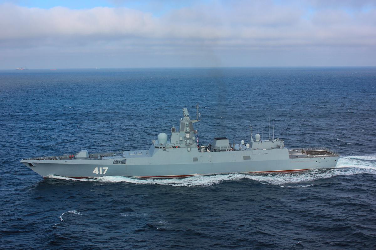 Почему военные корабли серые?