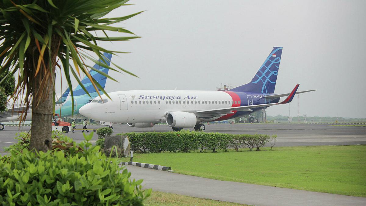 Найдены черные ящики разбившегося в Индонезии Boeing 737-500