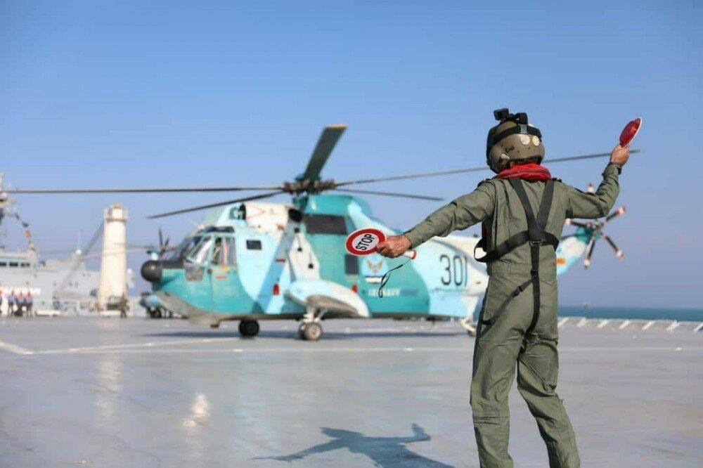 Иран построил вертолетоносец. Но это не точно…