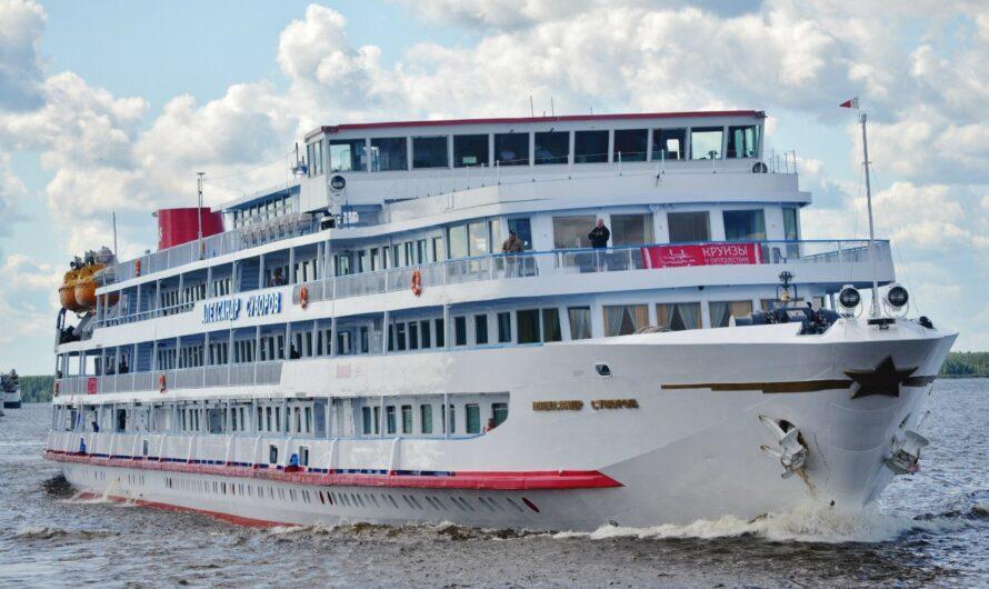 Речную круизную навигацию 2021 года 18 апреля откроет теплоход «Александр Суворов»
