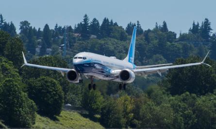 Boeing 737 MAX10