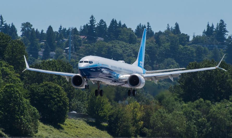 Авиалайнер Boeing 737-10 совершил свой первый полет