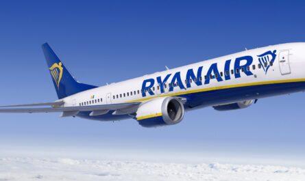 Ryanair Boeing 737 MAX-8200