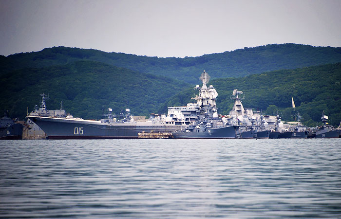 Атомный крейсер «Адмирал Лазарев» на утилизации: фото