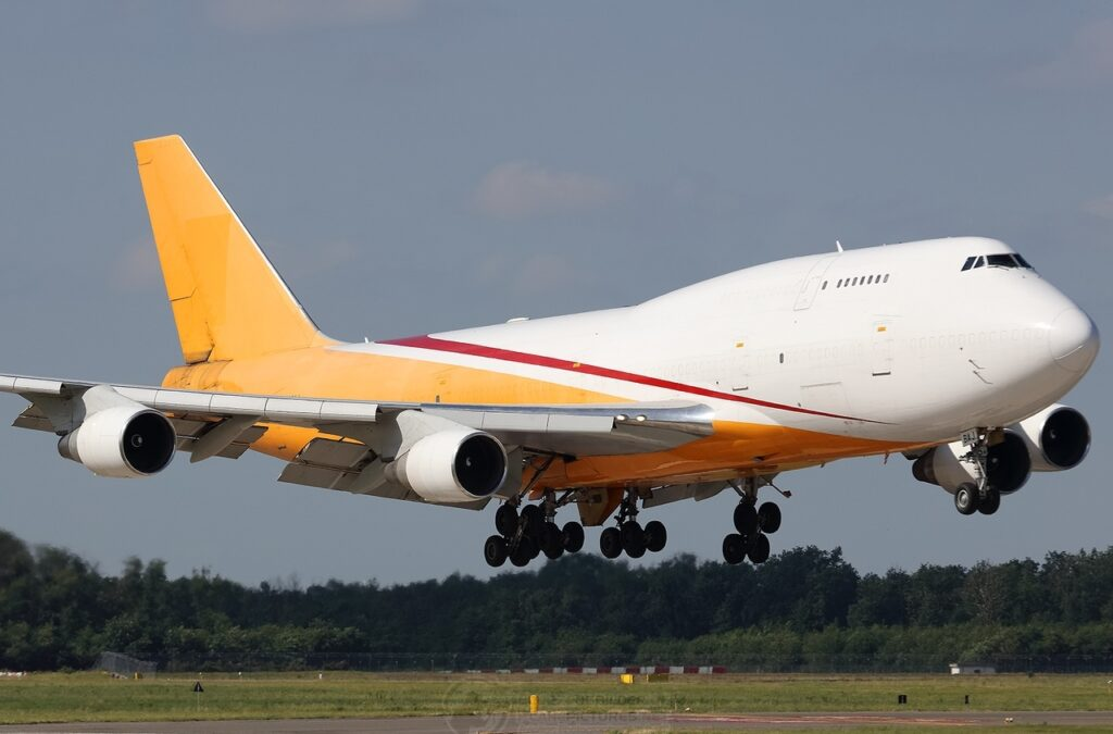 Aerotrans Cargo Boeing 747-400