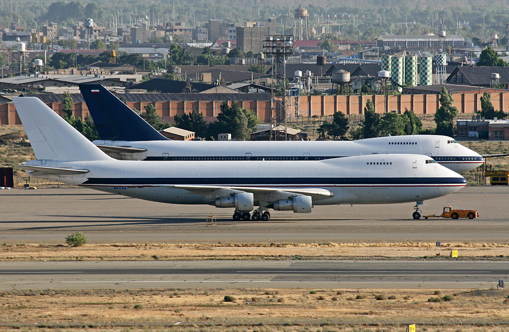 Caspian Airlines Boeing 747-100