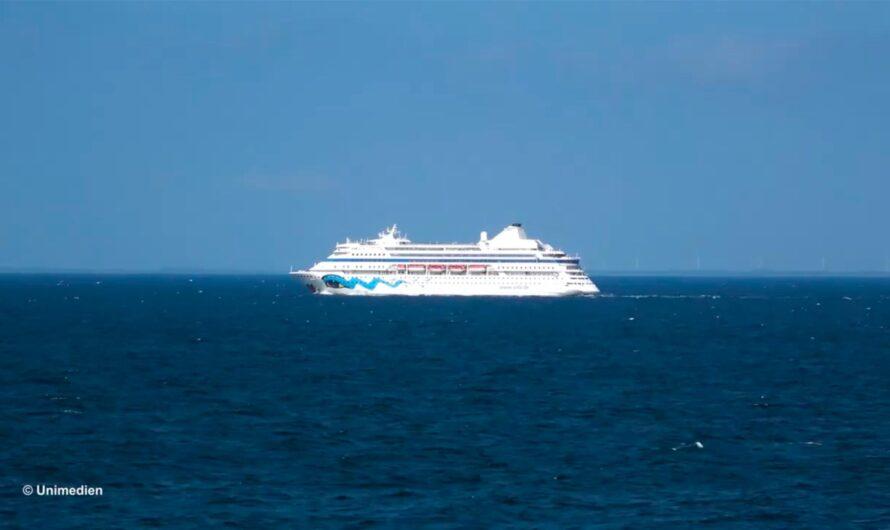 Круизное судно Astoria Grande покиадет Таллин: видео